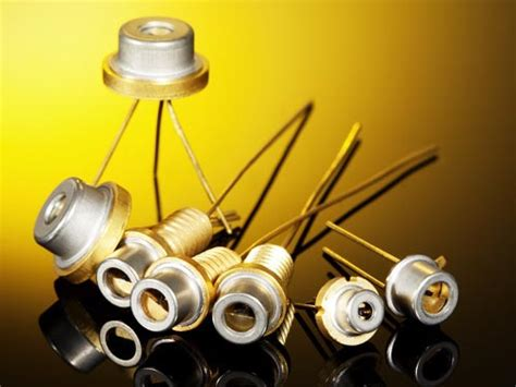 high power pulsed laser diode pulsed laser diodes at 905 nm pulsed laser diodes