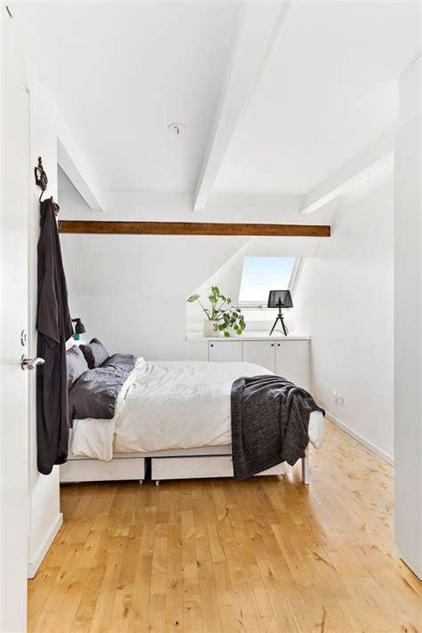 am駭agement chambre sous combles appartement sous combles avec poutres apparentes picslovin