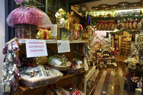 christmas decorations in italy facts traditional italian decorations decorated salumeria