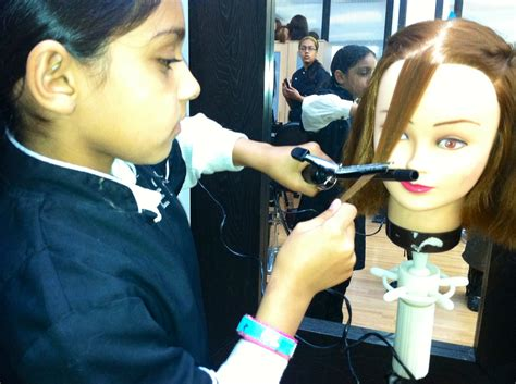 hair and makeup courses online bespoke beauty hair and makeup courses studio e12mets