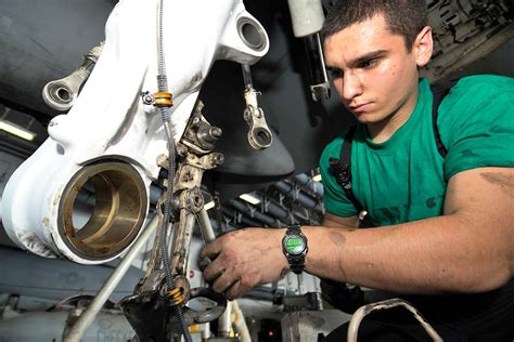 opportunities run sky high for aircraft mechanics