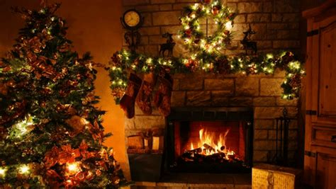 christmastree gifs search find make share gfycat gifs fireplace christmas tree christmas lights 3 hours