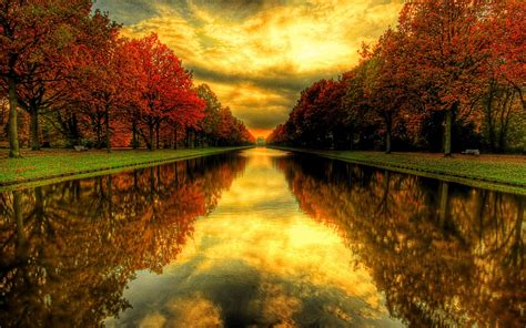 wallpaper background fall 25 stunning fall wallpapers