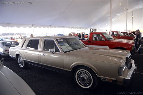 lincoln town car history 1988 lincoln town car pictures history value research