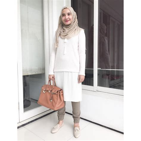Hv Baju Putih Didita Pakaian Atasan Wanita bukan cuma hitam putih 7 baju ini juga pas dipakai saat