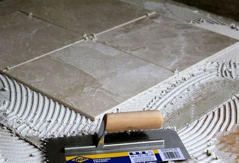 come posare piastrelle pavimento come posare le piastrelle nel pavimento piastrelle