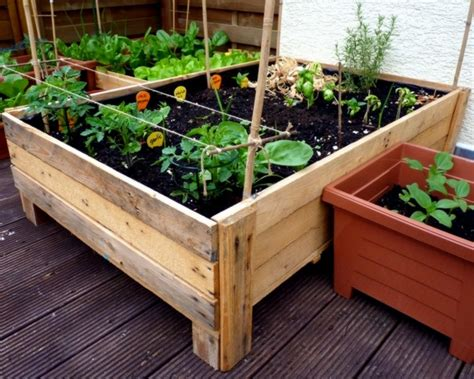 Diy Garden Planter Box by Diy Recycled Pallet Planters Recycled Things