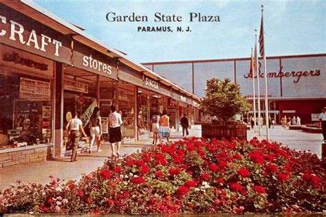 New Year S Garden State Plaza 483 Best Images About Classic Stores And Shopping Centers