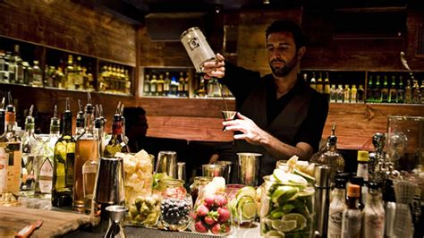 top cocktail bars best cocktail bars in chicago 171 cbs chicago