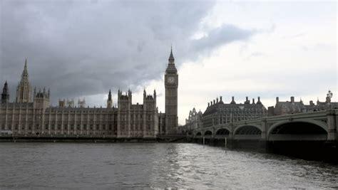 london thames dark london the houses of parliament s big ben clock strikes