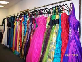shipping 2011 signature collection to prom market