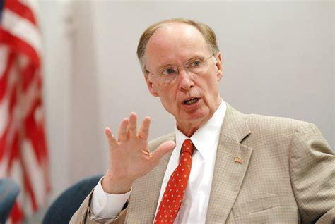 robert bentley alabama governor robert bentley resigns amid sex scandal