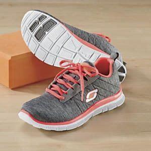 Sepatu Skechers Memory Foam 1000 images about shape up with skechers on bobs memory foam and shoes sandals