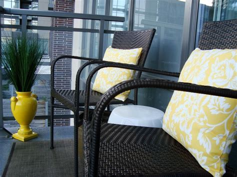 arredo per balconi arredo balcone tante idee utilizzando piante cuscini e