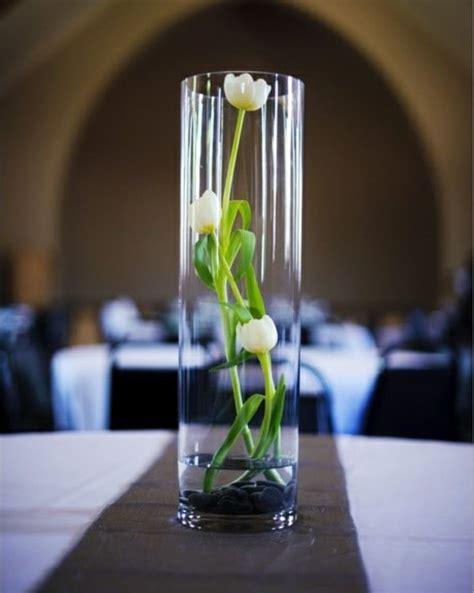 centerpiece ideen tischdeko mit tulpen festliche tischdeko ideen mit