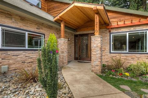 5 ways to improve your home s curb appeal zillow porchlight