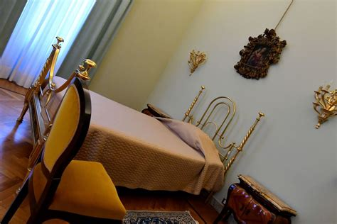 pope francis bedroom the 1 rule pope francis never breaks when taking time off