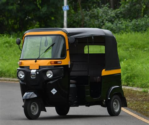 3 Wheel Electric Car India by Exclusive Bajaj Auto To Foray Into Evs With E 3 Wheeler
