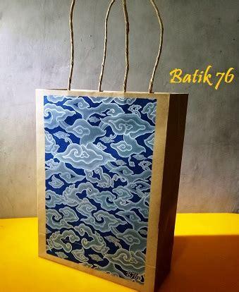 Paper Bag Souvenir Kantong Tenteng Tas Kertas Goodie Bag Paper Box jual paperbag tas kertas handmade batik motif megamendung biru kartu ucapan batik kartu ucapan