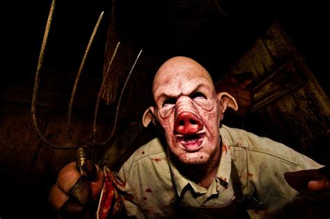 screams haunted house 31 truly freaky haunted houses and halloween attractions
