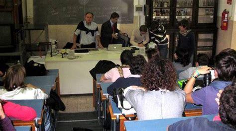 ufficio scolastico provinciale savona classi pollaio al classico gli studenti protestano