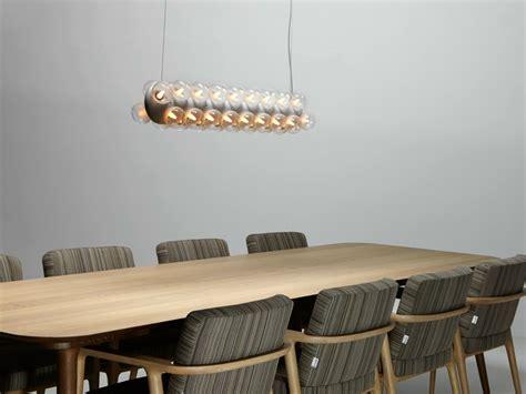 Merveilleux Chaise Confortable Salle A Manger #7: chaises-salle-manger-design-bois-massif-tissu-ray%C3%A9-luminaire.jpg