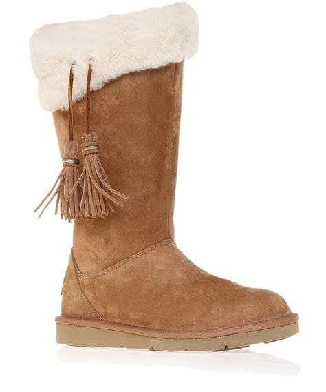 ugg plumdale sheepskin boots in brown lyst