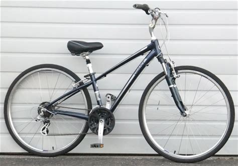 giant comfort bike xs giant cypress 21 speed comfort commuter bike 5 1 quot 5 4 quot