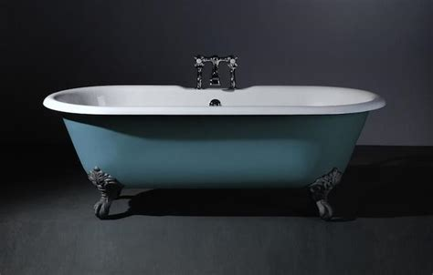 how to paint a cast iron bathtub 10 easy pieces classic freestanding bathtubs remodelista