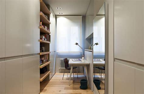 floracamgirl espacio creado para modelos webcam de habla dentro del armario bajo la escalera o en el vestidor 5