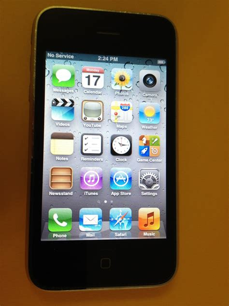 iphone at t noboxtospeakof no box to speak of apple iphone 3gs 32gb black at t smartphone