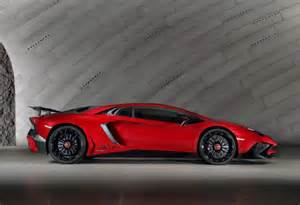 How Much Are Lamborghini Aventador 2017 Lamborghini Aventador Sv Sacrificed It S Roofing