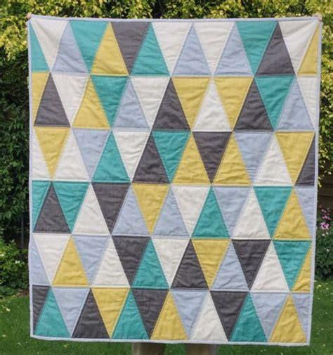 triangle quilt pattern tutorial 1000 images about quilt isosceles triangle on pinterest