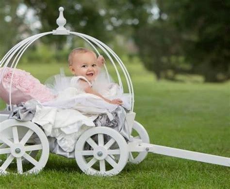 Small Angel Carriage ? Mini Wedding Wagons