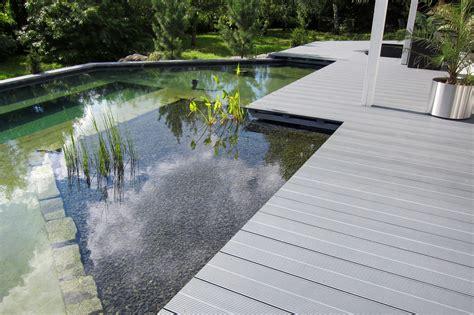 terrasse mit teich teich und naturpool der gartenbaumeister meisterbetrieb