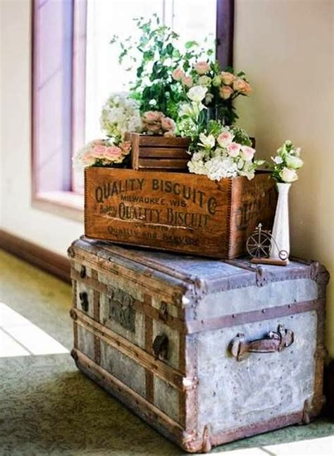 Decorando con maletas y baúles. Aire vintage
