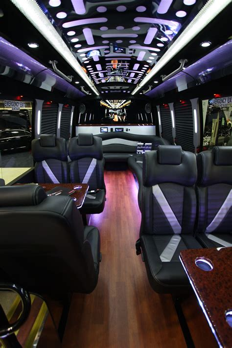 limousine rental service houston limo limousine rental service offering town cars