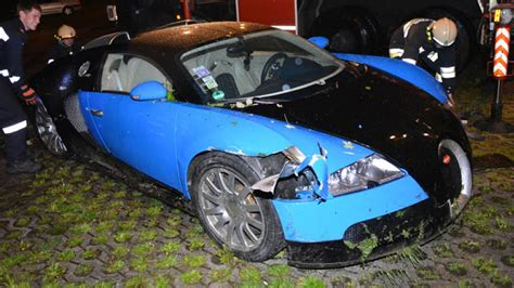 bugatti crash latest car accident of bugatti veyron road crash