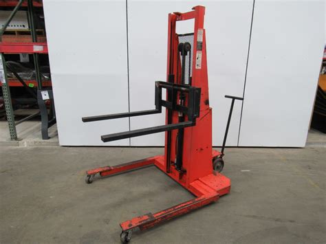 presto lifts ps262 straddle pallet stacker 12v 2000lb