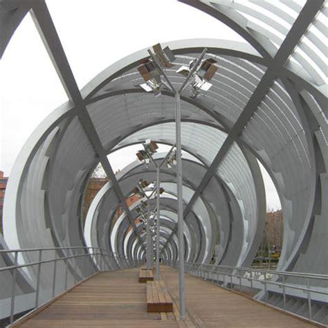 Sisi Arsitektur Sipil Dan Lingkungan koran arsitektur pasarela arganzuela jembatan spiral