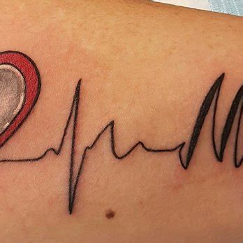 heart tattoos vegas ironhorse tattoos piercings 197 photos 219 reviews