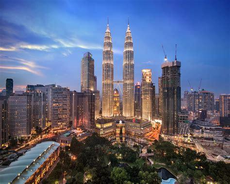 xuan canh ty  ha noi singapore malaysia