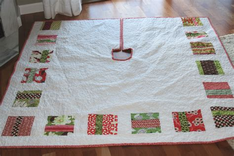 How To Make A Quilted Tree Skirt quilted tree skirt