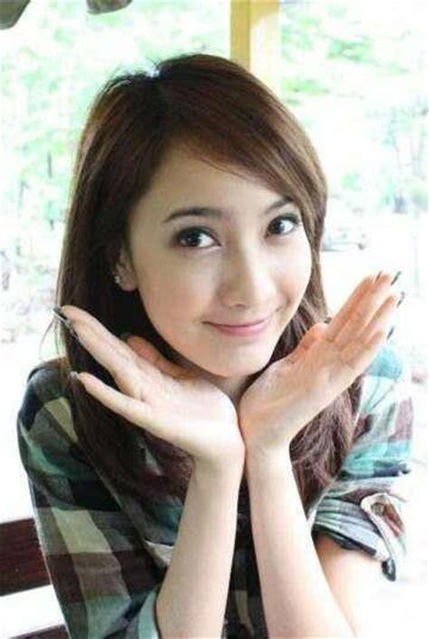 Pin Bros Kayu Gadis Manis Wajah Gadis Indonesia Yang Manis Cantik Tips Cantik