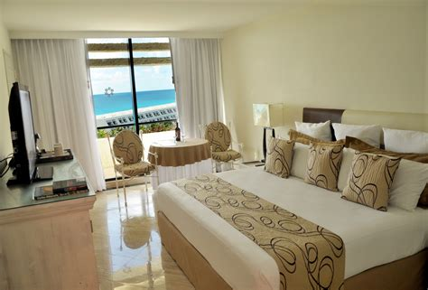 pyramid room grand oasis cancun what is the pyramid at grand oasis