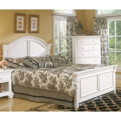 cottage traditions wood panel bed in cottage white