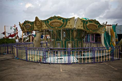 theme park zombieland real life zombieland set six flags new orleans