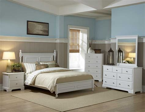 White Bedroom Furniture by Loving White Furniture The Two Toned Walls