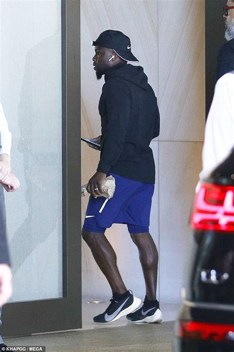 kevin hart irresponsible tour sydney kevin hart sports nike workout gear while out in australia