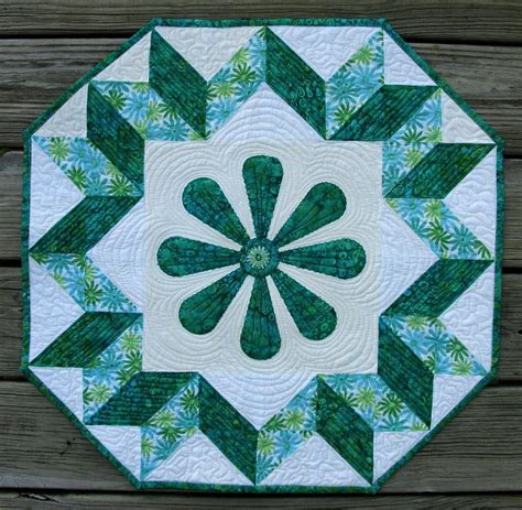 pattern quilt table runner 10 free table runner quilt patterns you ll love